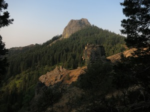 Nice sunrise over some beautiful rocks during our walk into Ashland.